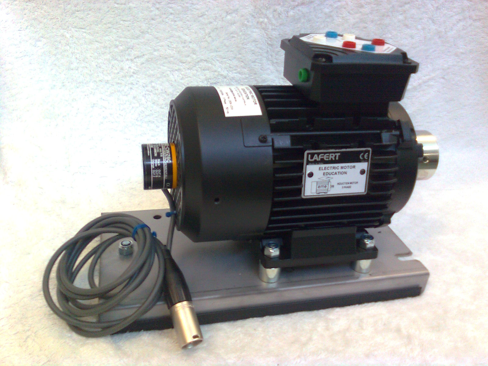 71-3-L050-A : Motor - 3 phase -This is a 71-3-L004-A motor fitted with a Image